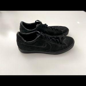 Nike Men's Black Shoes
